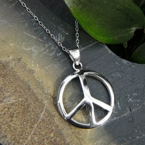 NWT Sterling Silver Peace Sign Pendant Necklace